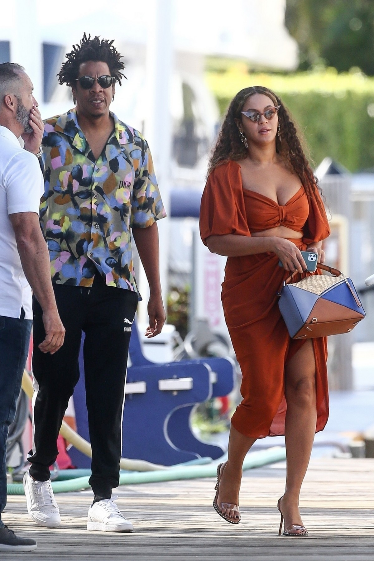 Beyonce and Jay-Z at a local marina in Fort Lauderdale, Florida 2019/11/17 8