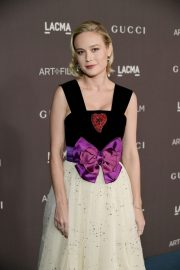 Brie Larson attends ACMA Art + Film Gala Honoring Betye Saar And Alfonso Cuaron Presented By Gucci 2019/11/02 18
