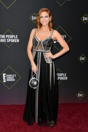 Brittany Snow arrives 2019 E! People's Choice Awards at the Barker Hangar in Santa Monica 2019/11/10 11