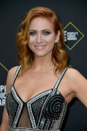 Brittany Snow arrives 2019 E! People's Choice Awards at the Barker Hangar in Santa Monica 2019/11/10 14