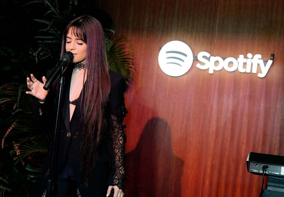 Camila Cabello visits A Celebration for Artists Hosted by Spotify in West Hollywood 2019/11/20 2