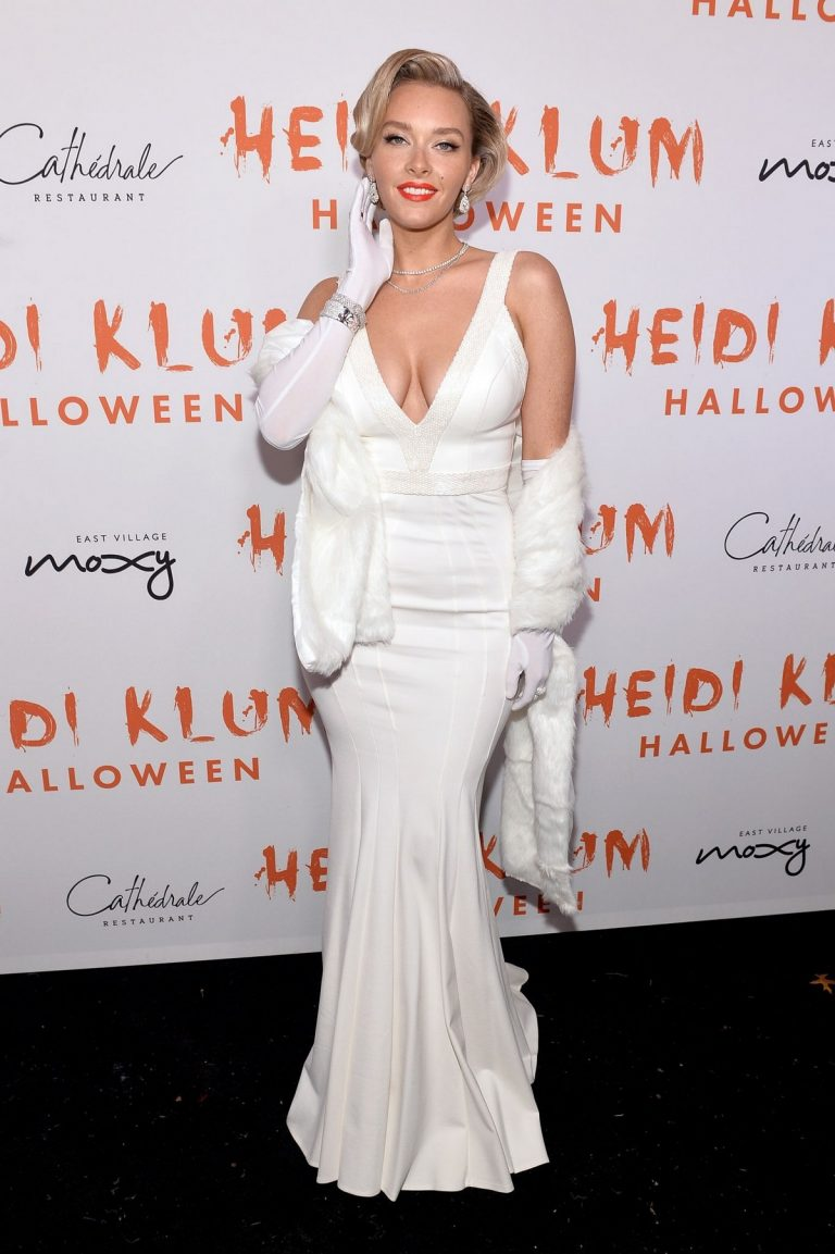 Camille Kostek attends Heidi Klum's 20th Annual Halloween Party in New York 2019/10/31 1