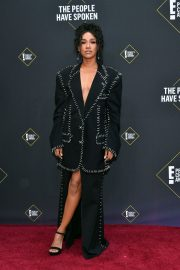 Candice Patton attends 45th Annual People's Choice Awards in Los Angeles 2019/11/10 2