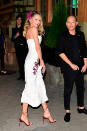 Candice Swanepoel and Jason Wu seen night out Cipriani in New York City 2019/11/04 5