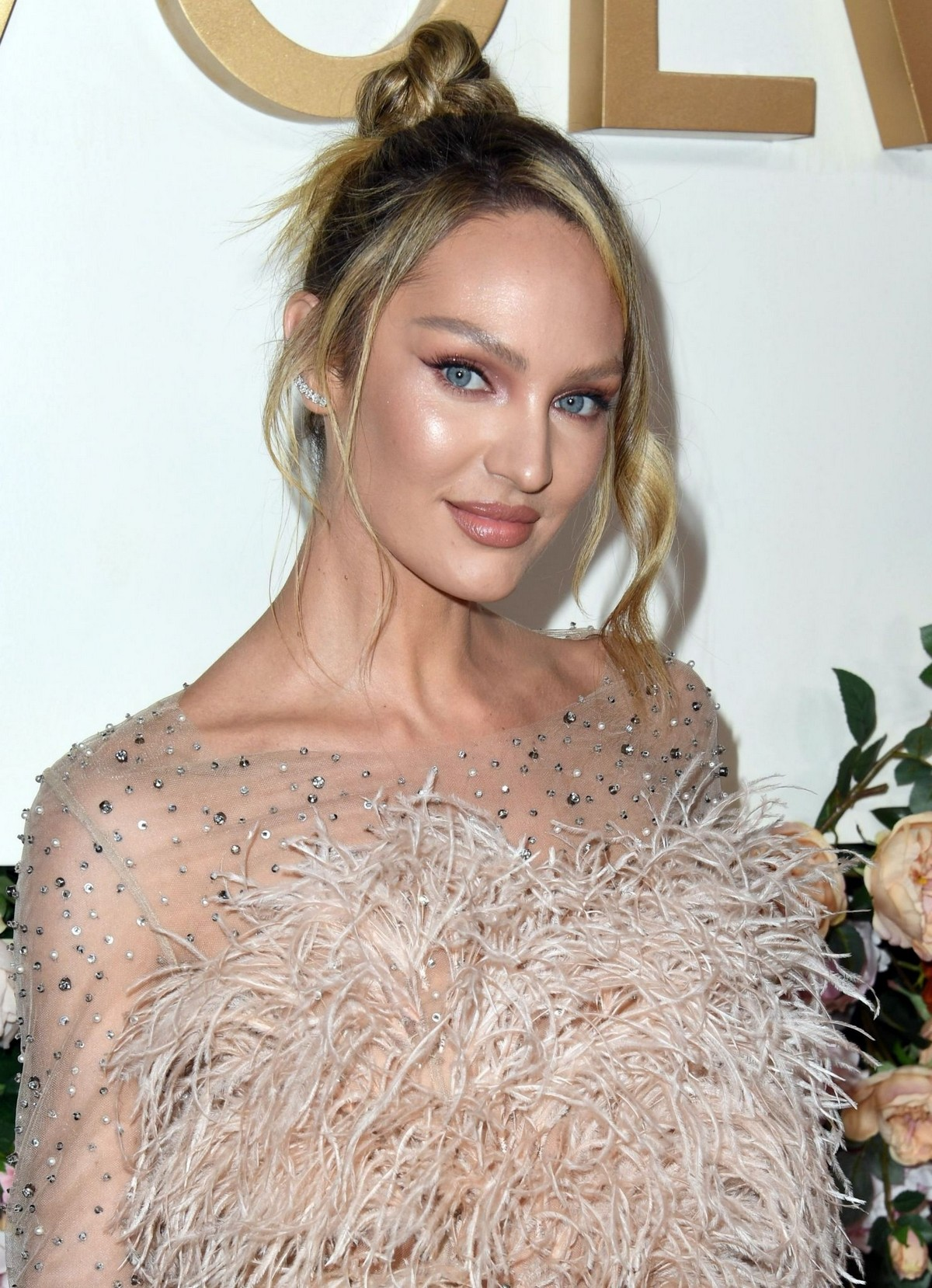 Candice Swanepoel attends 3rd Annual #Revolve Awards in Hollywood 2019/11/15 6
