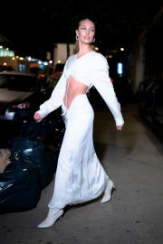 Candice Swanepoel show her abs in stylish dress Out in Tribeca, New York City 2019/11/06 10