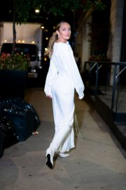 Candice Swanepoel show her abs in stylish dress Out in Tribeca, New York City 2019/11/06 11