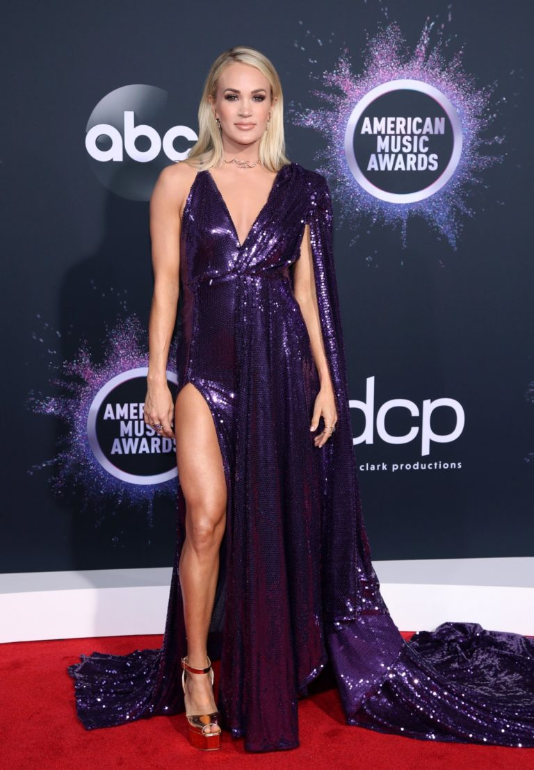 Carrie Underwood attends 2019 American Music Awards at Microsoft Theater in Los Angeles 2019/11/24 30