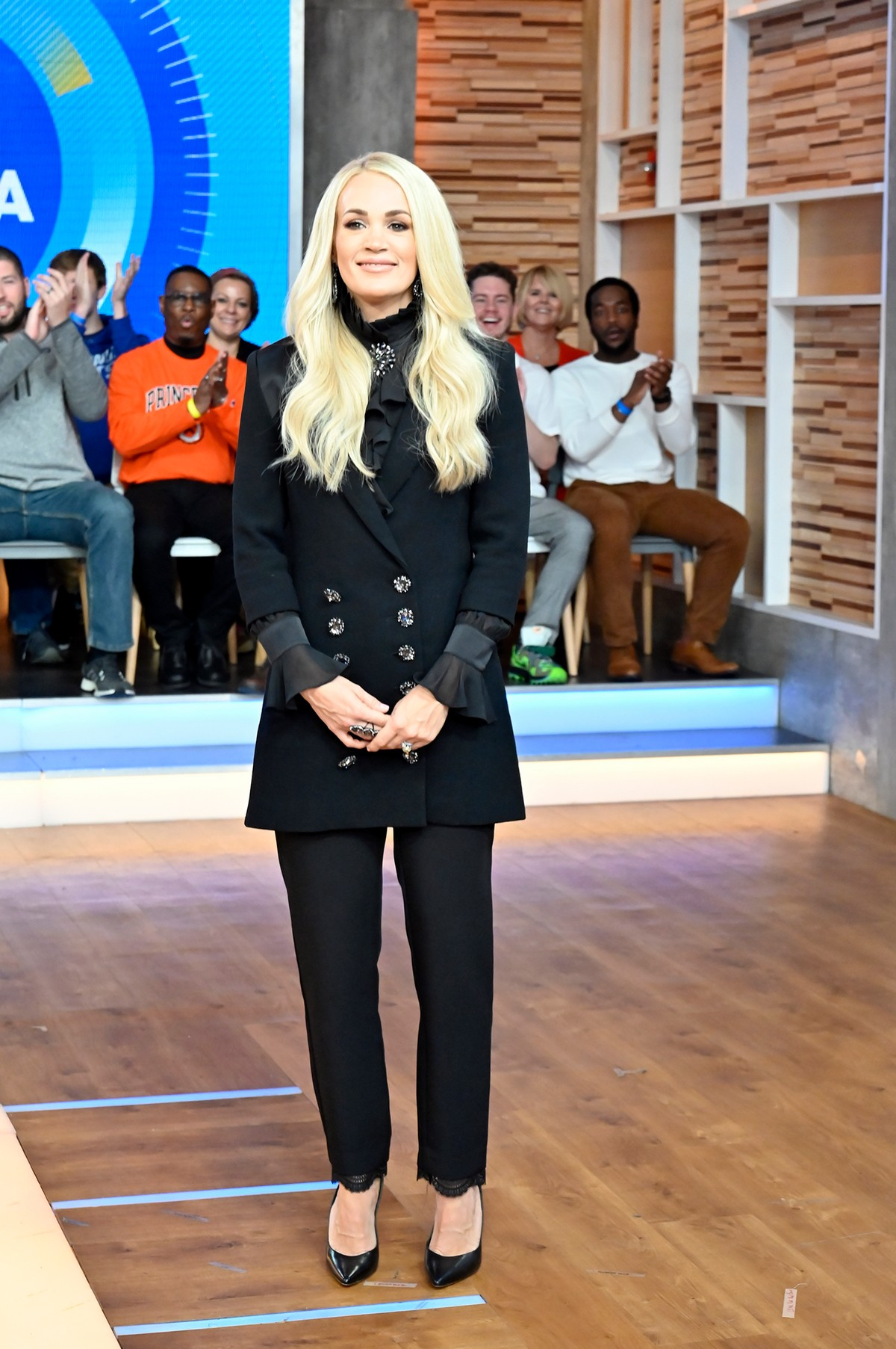Carrie Underwood attends Good Morning America in New York 2019/11/11 1
