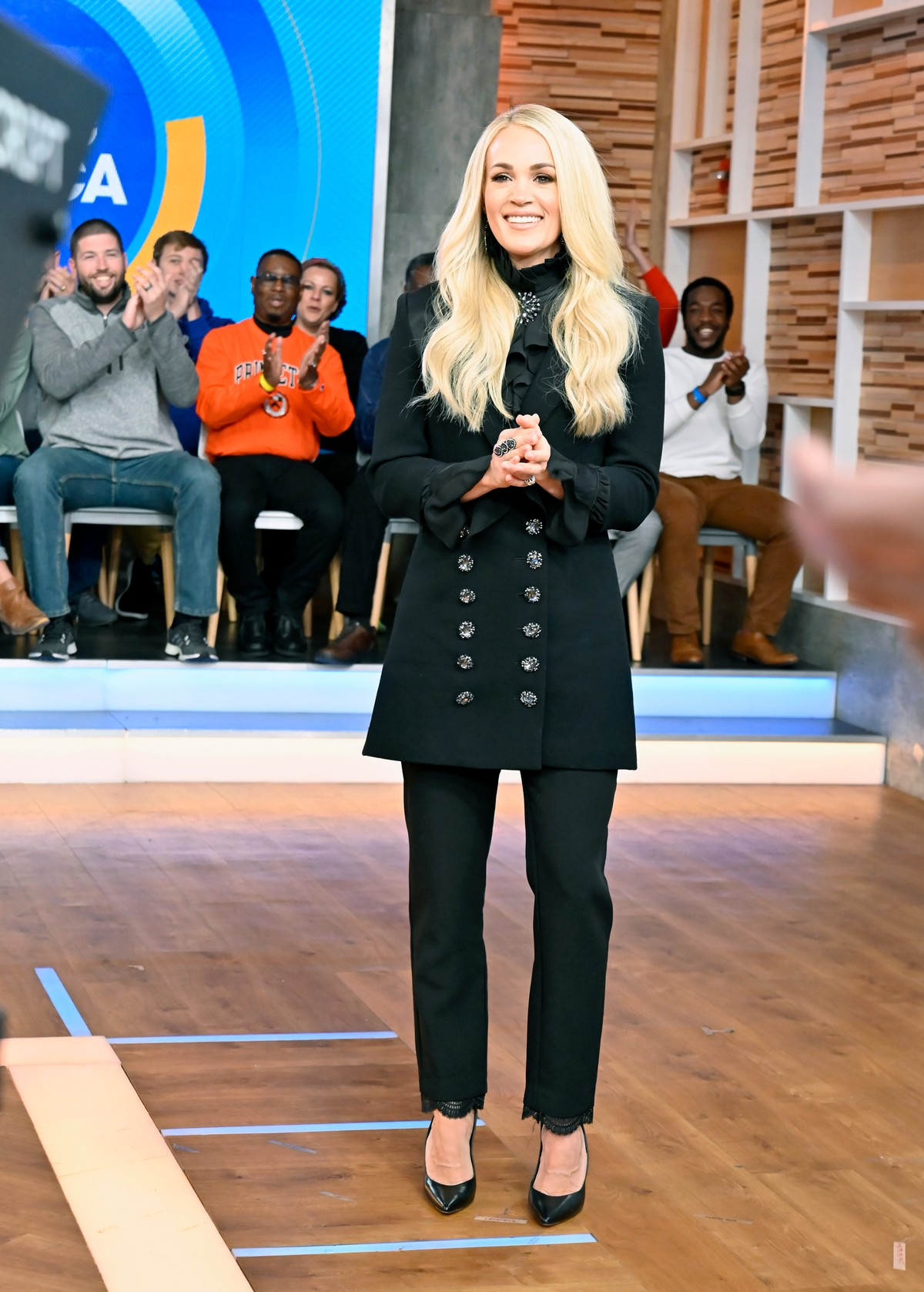 Carrie Underwood attends Good Morning America in New York 2019/11/11 3