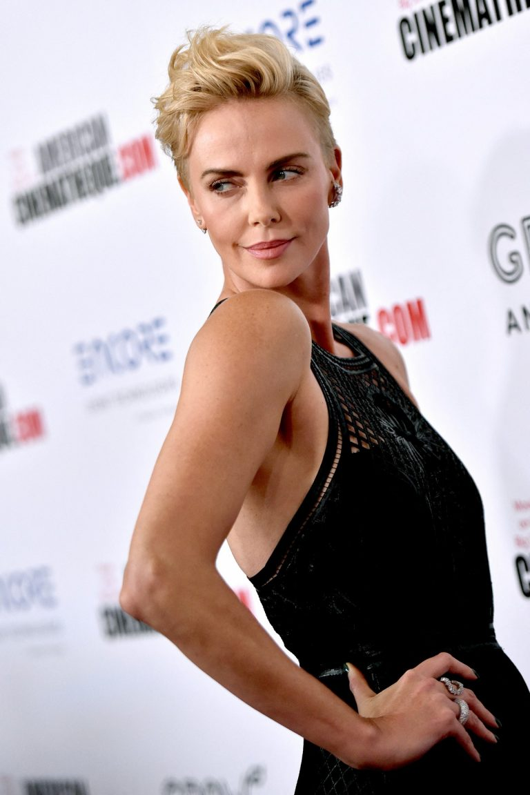 Charlize Theron attends 33rd American Cinematheque Award Presentation 2019/11/08 3
