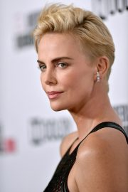 Charlize Theron attends 33rd American Cinematheque Award Presentation 2019/11/08 4