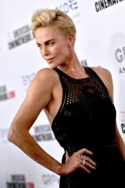 Charlize Theron attends 33rd American Cinematheque Award Presentation 2019/11/08 6