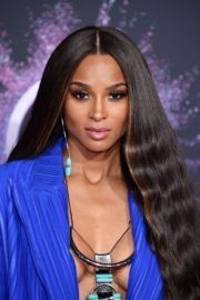 Ciara attends 2019 American Music Awards at Microsoft Theater in Los Angeles 2019/11/24 7