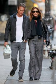 Cindy Crawford and Rande Gerber out a stroll in New York 2019/11/26 1