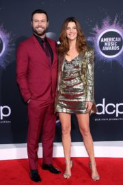 Cobie Smulders and Taran Killam attend 2019 American Music Awards at Microsoft Theater in Los Angeles 2019/11/24 4