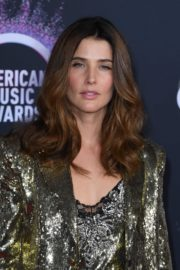 Cobie Smulders attends 2019 American Music Awards at Microsoft Theater in Los Angeles 2019/11/24 10