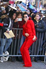 Daisy Ridley in red outfit arrives Good Morning America in New York City 2019/11/26 6