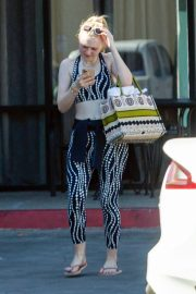Dakota Fanning leaves after an exercise class in Los Angeles 2019/11/09 3