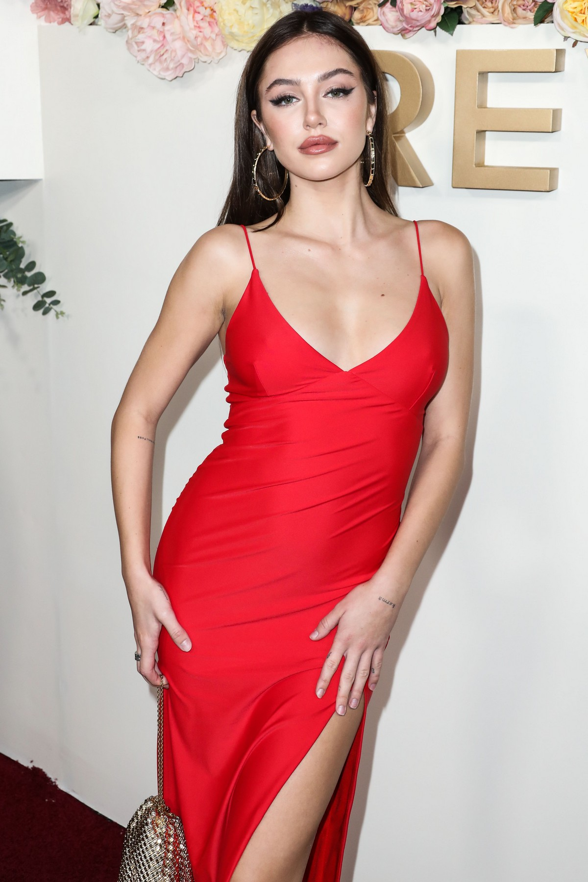 Delilah Belle Hamlin seen in Red Stylish Dress at 3rd Annual #REVOLVE Awards 2019 in Los Angeles 2019/11/15 1