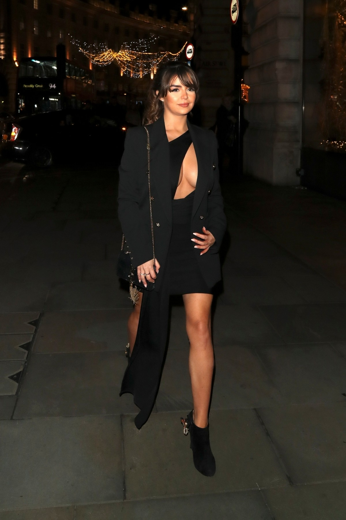 Demi Rose Mawby Arrives at Cafe Royal in London 2019/11/14 7