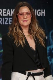 Drew Barrymore arrives 8th Annual Breakthrough Prize Ceremony in Mountain View 2019/11/03 2
