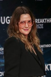 Drew Barrymore arrives 8th Annual Breakthrough Prize Ceremony in Mountain View 2019/11/03 6