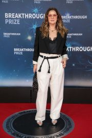 Drew Barrymore arrives 8th Annual Breakthrough Prize Ceremony in Mountain View 2019/11/03 7