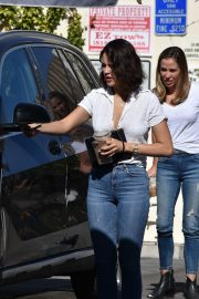 Eiza Gonzalez with friends in White Shirt and Blue Jeans Out in Studio City 2019/11/09 8