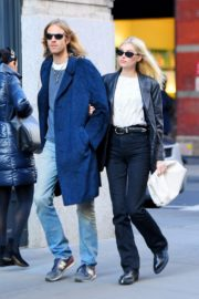 Elsa Hosk and Tom Daly out and about in SoHo, New York 2019/11/27 2