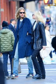 Elsa Hosk and Tom Daly out and about in SoHo, New York 2019/11/27 4