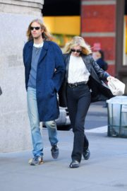 Elsa Hosk and Tom Daly out and about in SoHo, New York 2019/11/27 5