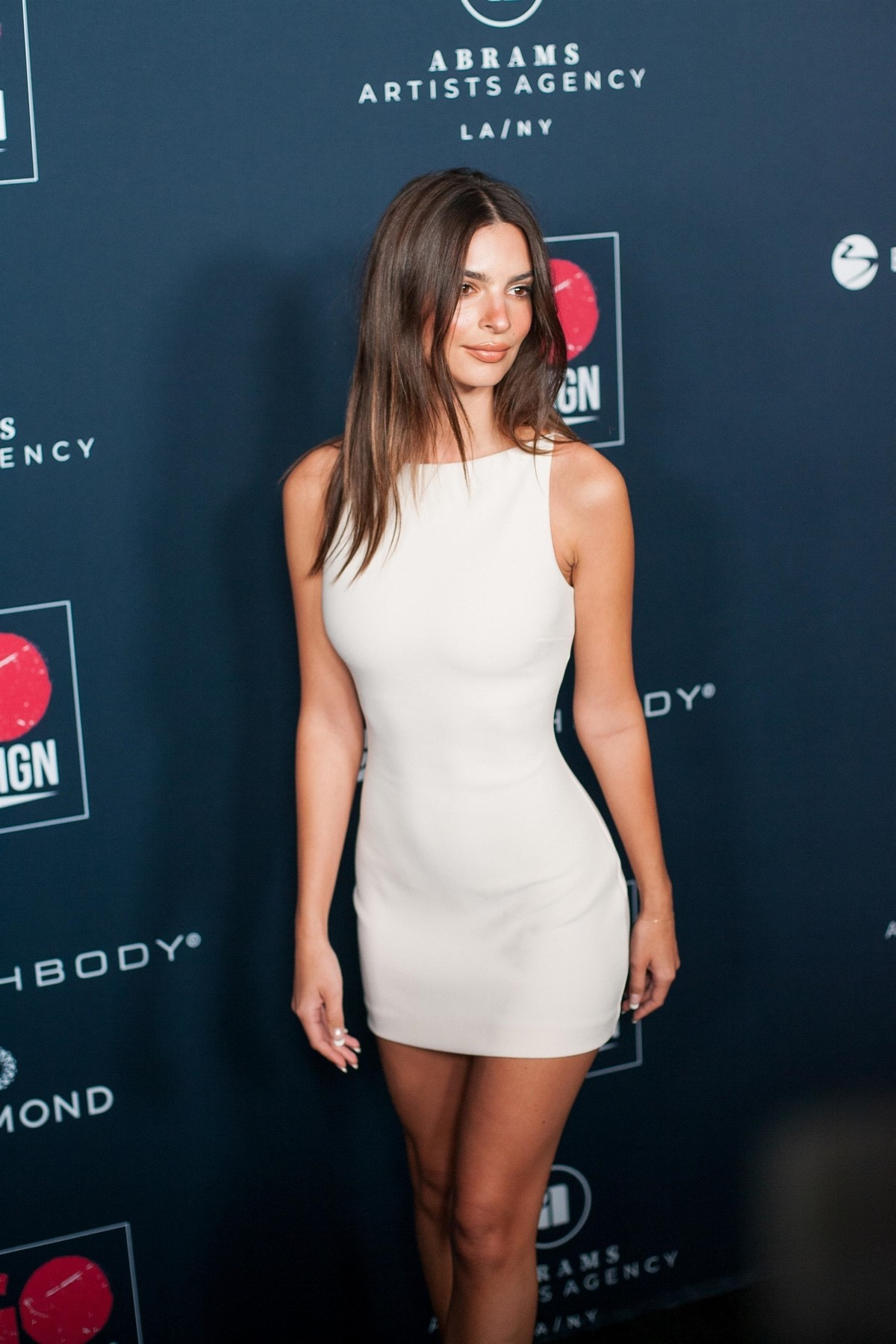 Emily Ratajkowski attends GO Campaign's 13th Annual Gala at NeueHouse in Hollywood 2019/11/16 5