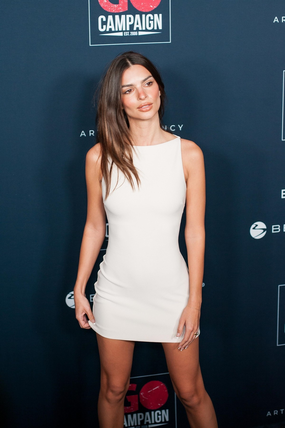 Emily Ratajkowski attends GO Campaign's 13th Annual Gala at NeueHouse in Hollywood 2019/11/16 6