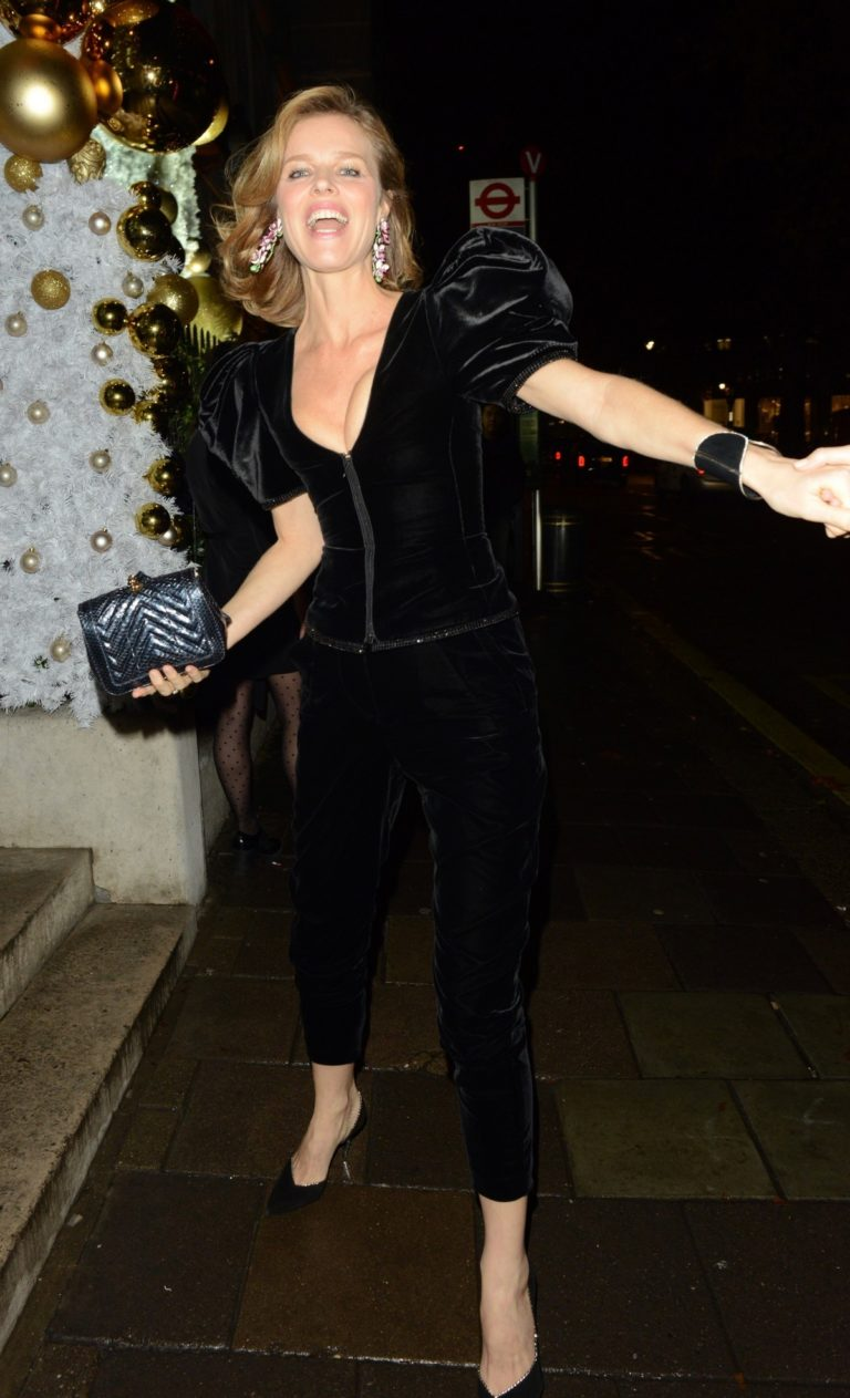 Eva Herzigova arrives Chopard Event at Annabel's Private Members Club in London 2019/11/27 5
