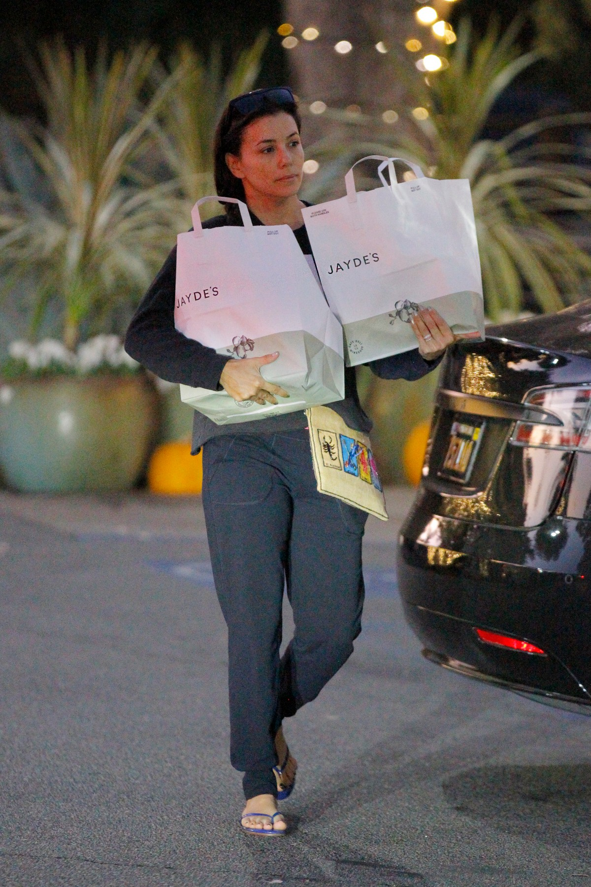 Eva Longoria After Leaves Jayde's Shopping Out in Beverly Hills 2019/11/16 3