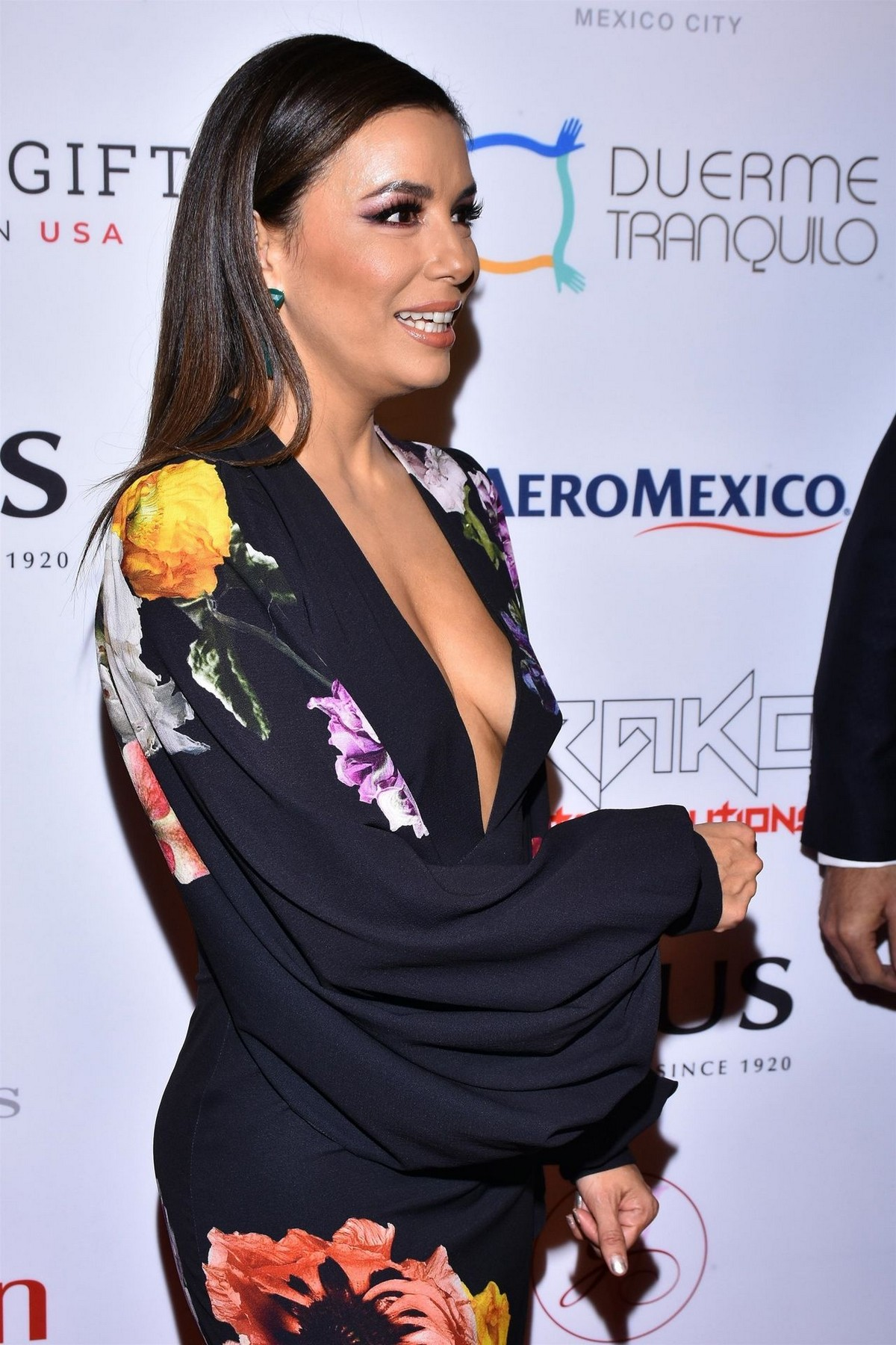 Eva Longoria attends 5th Global Gift Foundation Gala in Mexico City 2019/11/19 5