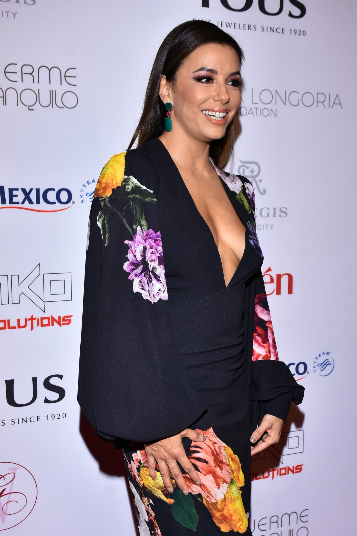 Eva Longoria attends 5th Global Gift Foundation Gala in Mexico City 2019/11/19 10
