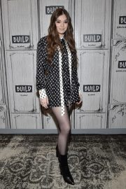 Hailee Steinfeld attends Photocall and interview at Build Studio in New York 2019/10/31 5