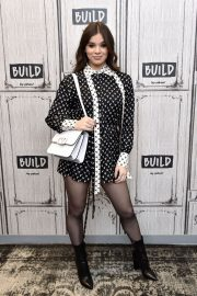 Hailee Steinfeld attends Photocall and interview at Build Studio in New York 2019/10/31 7