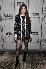 Hailee Steinfeld attends Photocall and interview at Build Studio in New York 2019/10/31 9