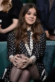 Hailee Steinfeld attends Photocall and interview at Build Studio in New York 2019/10/31 14