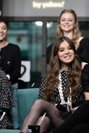 Hailee Steinfeld attends Photocall and interview at Build Studio in New York 2019/10/31 20