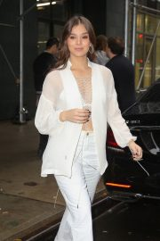 Hailee Steinfeld seen in gorgeous in a white outfit in New York 2019/10/31 1