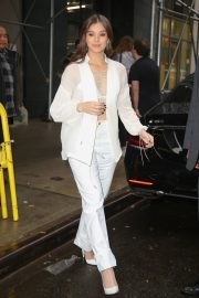 Hailee Steinfeld seen in gorgeous in a white outfit in New York 2019/10/31 4
