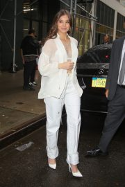 Hailee Steinfeld seen in gorgeous in a white outfit in New York 2019/10/31 5