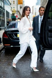 Hailee Steinfeld seen in gorgeous in a white outfit in New York 2019/10/31 9