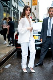 Hailee Steinfeld seen in gorgeous in a white outfit in New York 2019/10/31 15
