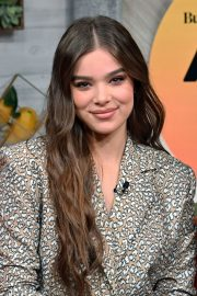 """Hailee Steinfeld visits BuzzFeed's """"AM To DM"""" New York 2019/11/01 12"""