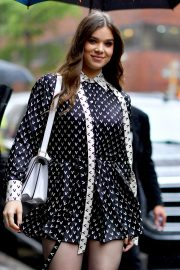 Hailee Steinfeld visits the Build Series in New York City 2019/10/31 4